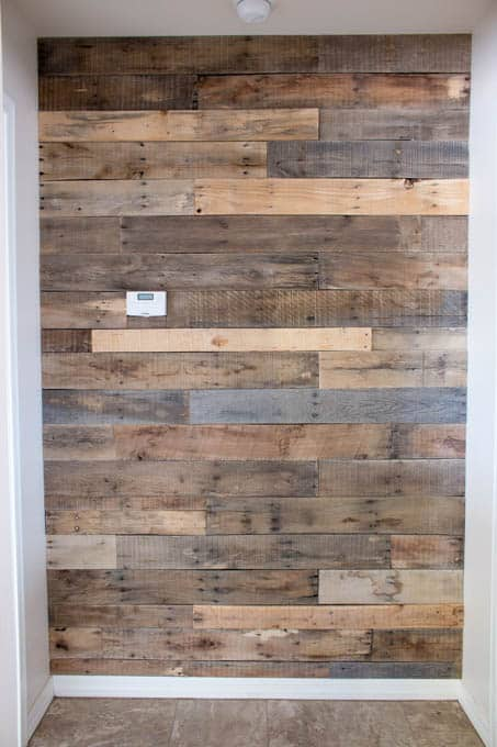 pallet accent wall diy